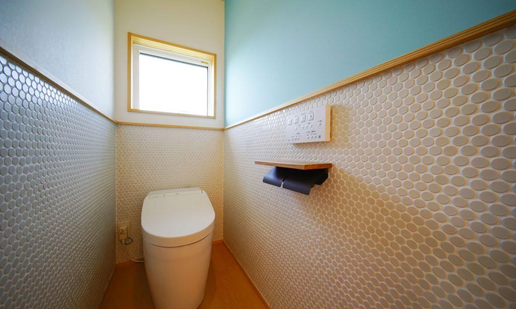 トイレとタイル