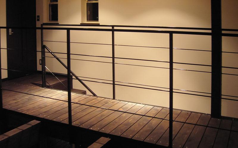 夜の2階廊下